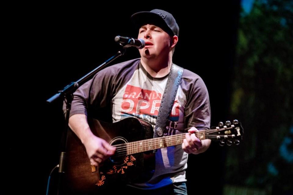 Singer songwriter Troy Wakelin