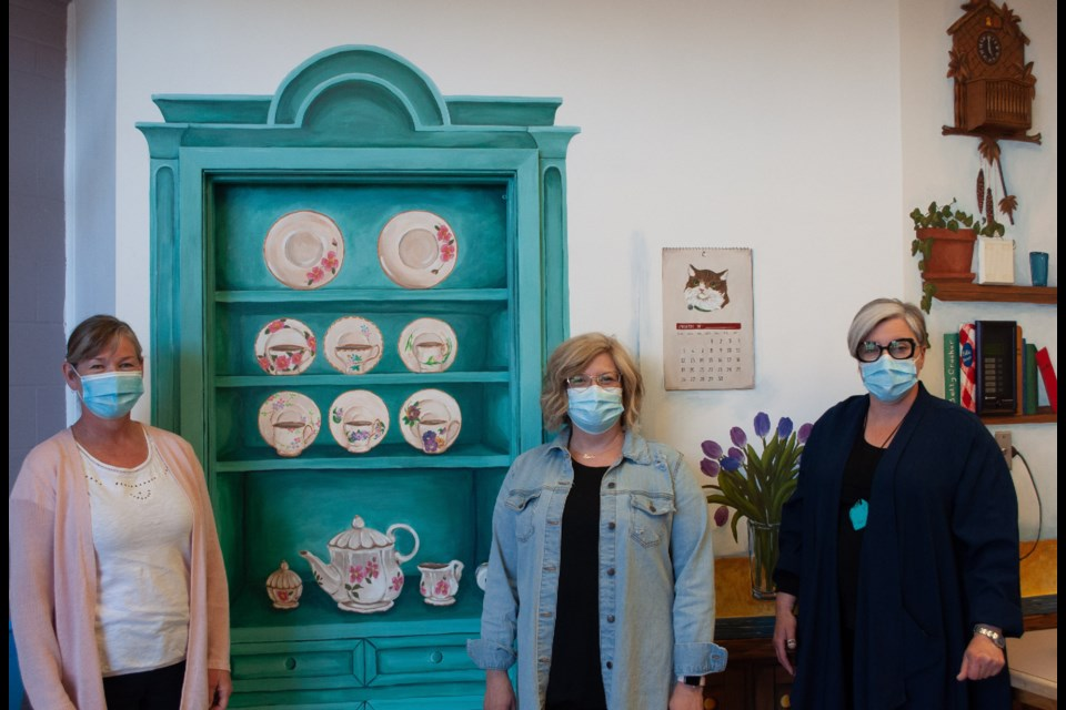 artists, from left; Stephanie Newsham, Angelina Kardynal and Tonia Vermette. Submitted Photo.