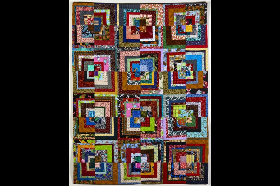 I Am Coming Home (Heather Hochbaum), 2021: Fibre; machine pieced, machine quilted. 143 x 109 x 1 cm. $1,200. Photograph by Kevin Hogarth