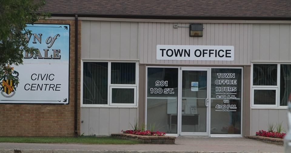 Town Hall Summer web