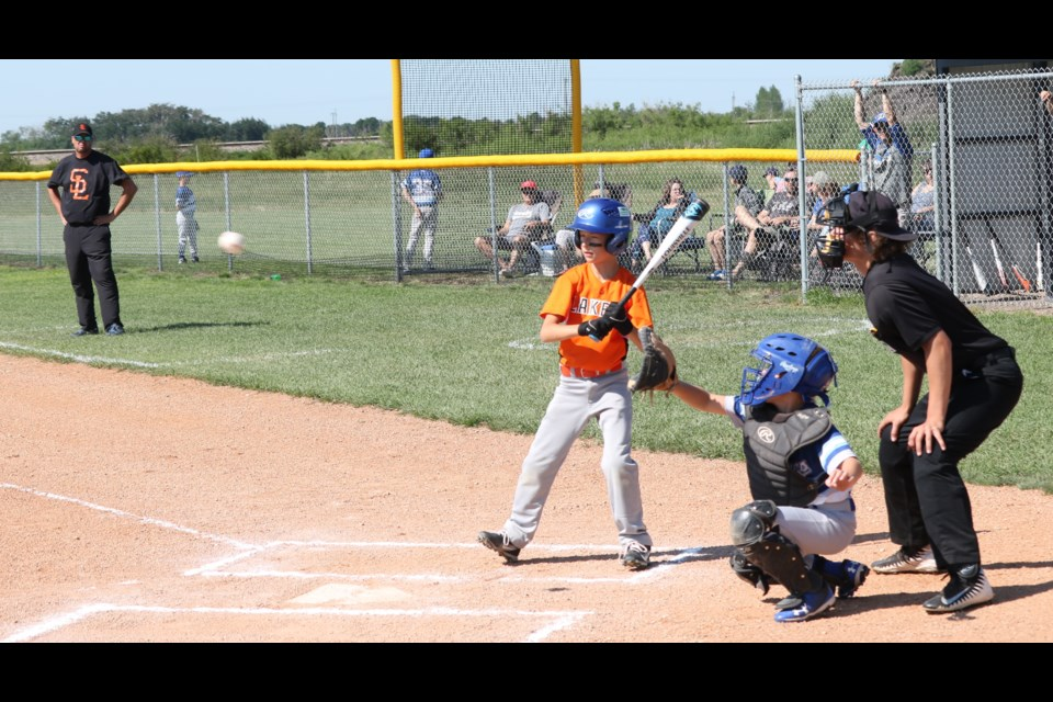 Saltcoats Lakers faced the Humboldt Dodgers Saturday morning.