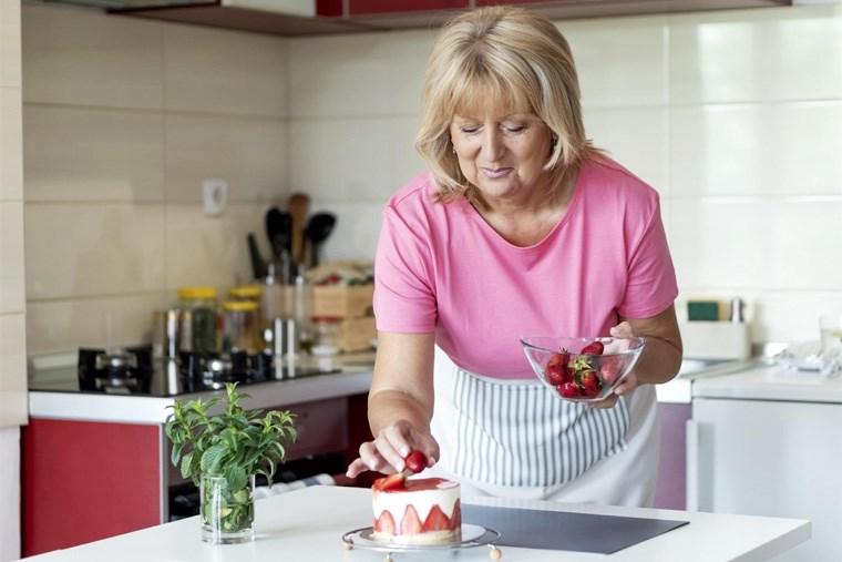 35B_recipe-swaps-6-healthier-versions-of-classic-cakes