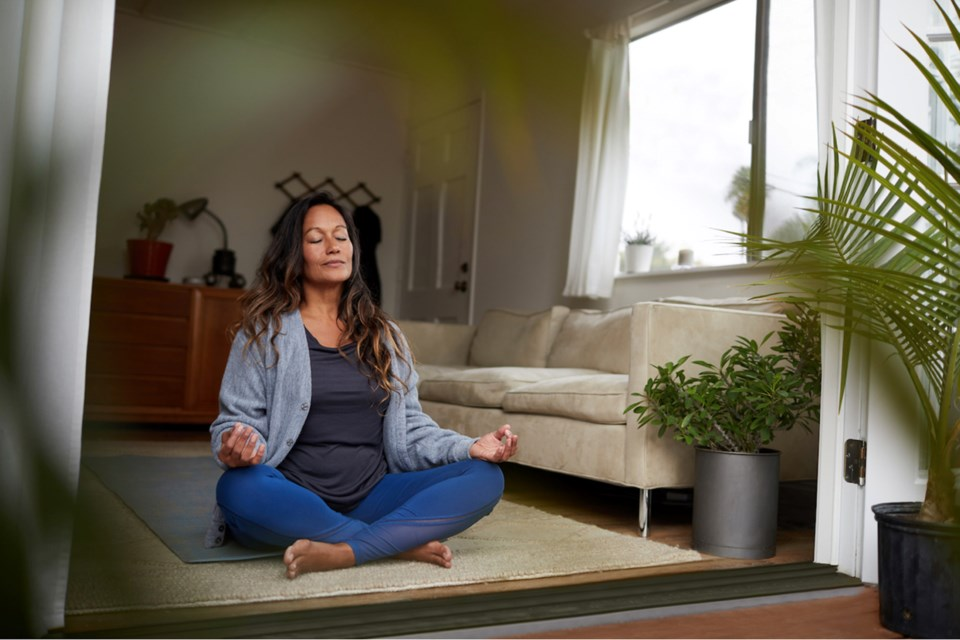 Article-8B_incorporating-cannabis-into-your-yoga-or-meditation-practice