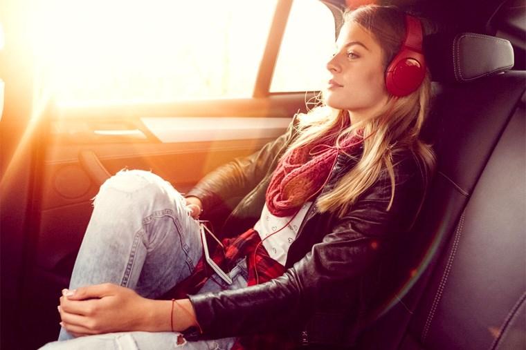 33B_5-binge-worthy-road-trip-podcasts