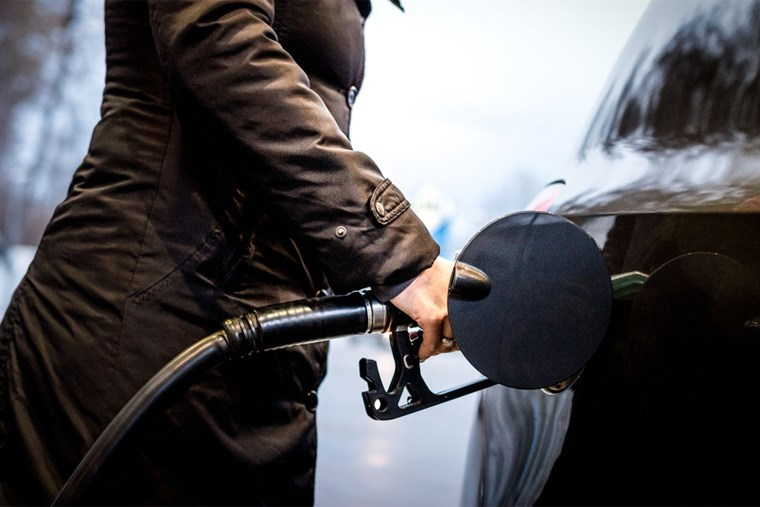 34B_stop-guessing-at-the-gas-pump