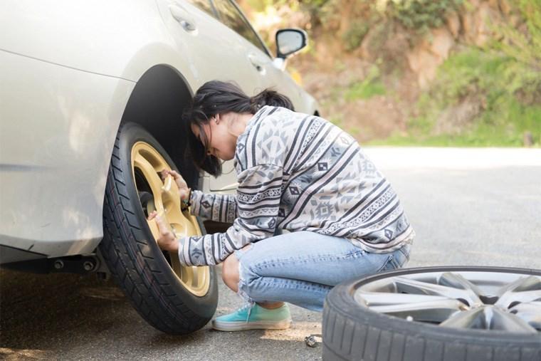 38A_flat-tire