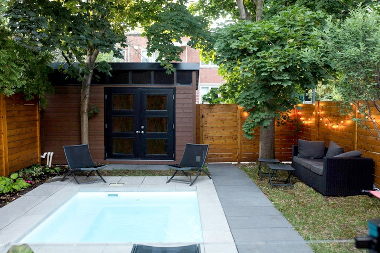 27A_diy-or-hire-a-pro-backyard-fencing-and-wall-ideas