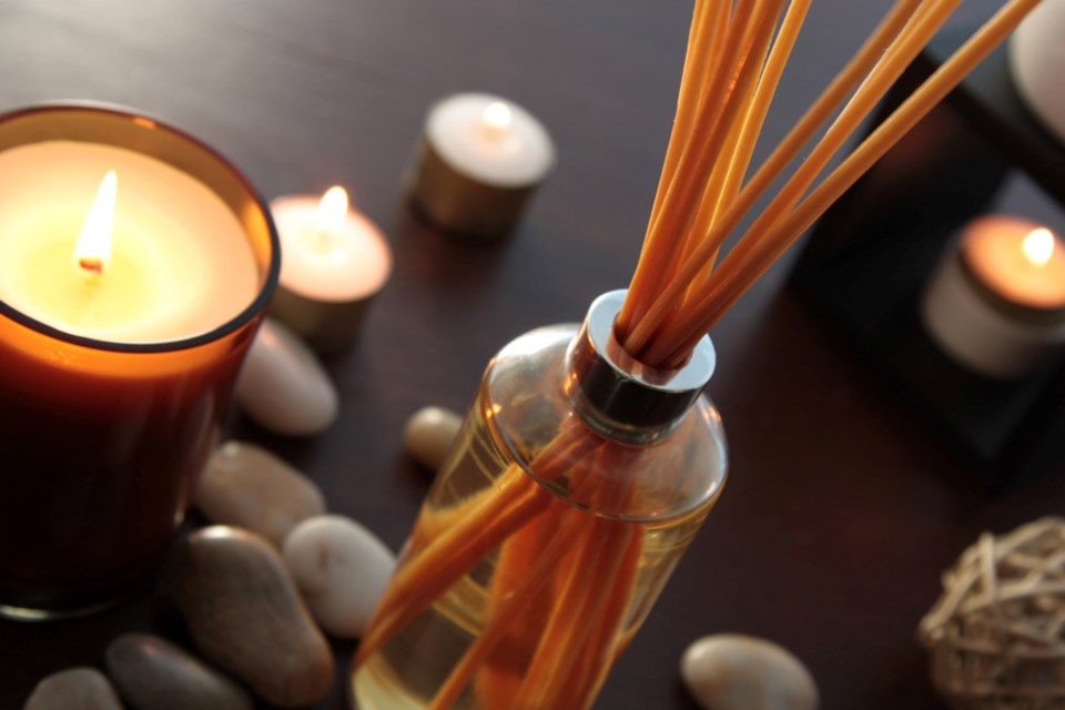 Article-6A_cozy-up-with-these-4-winter-home-scents