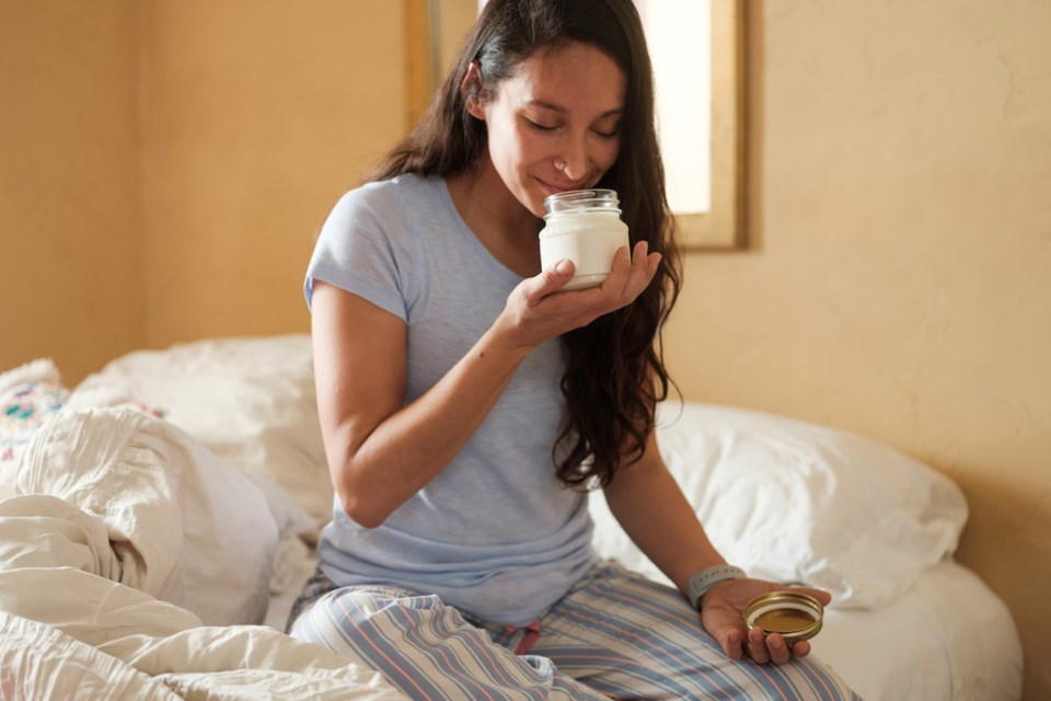 Article-6B_cozy-up-with-these-4-winter-home-scents