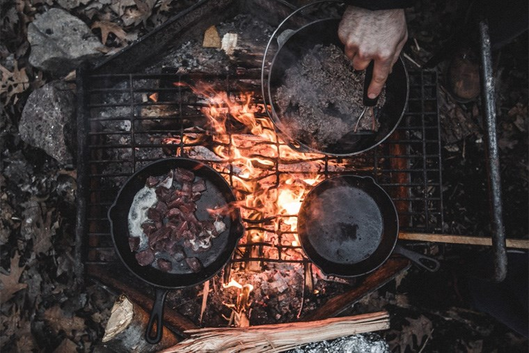 3-4B-RV Lifestyle Cast Iron Skillets for Camping April WJP