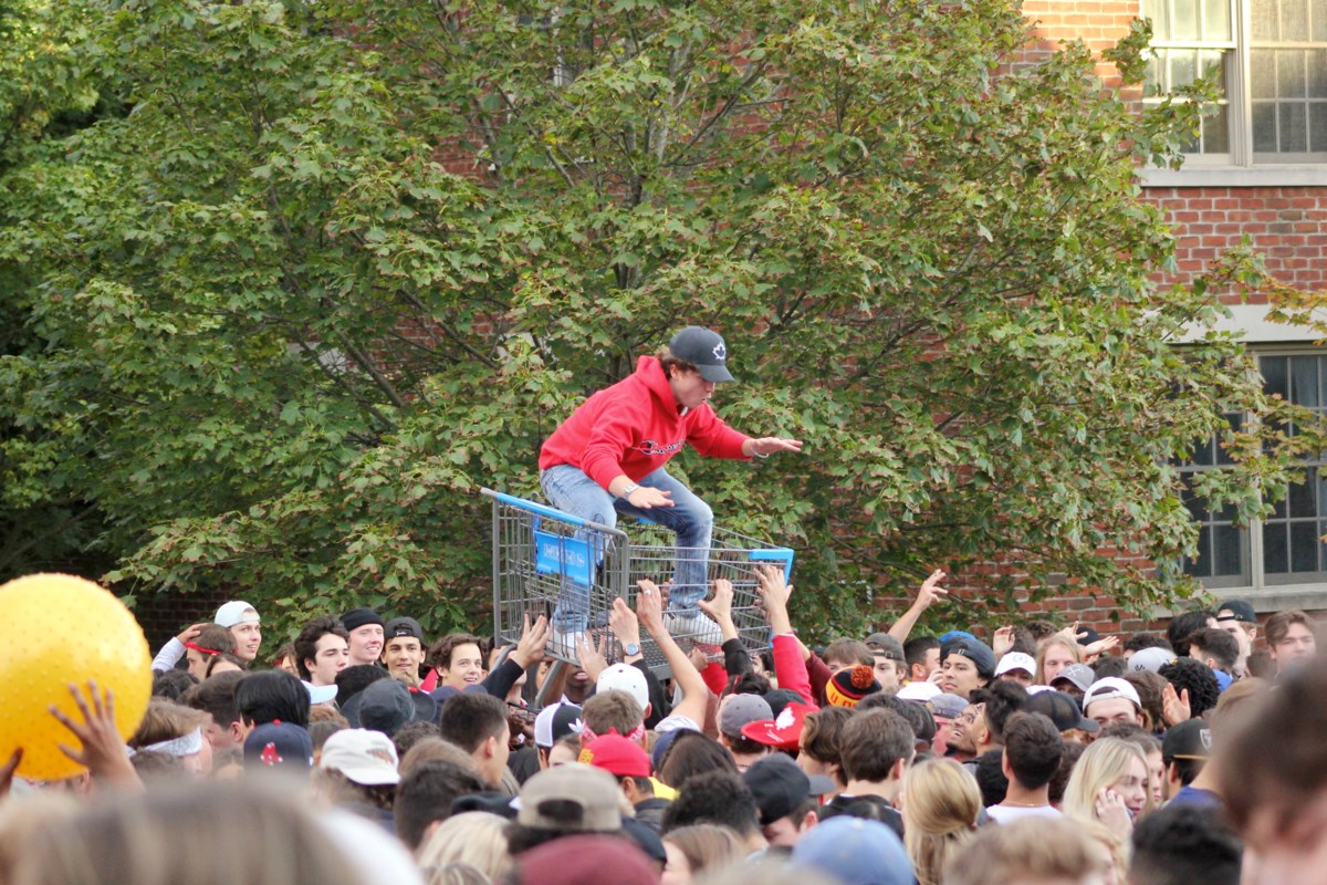 Big bash returns to Chancellor's Way on not-a-Homecoming weekend (13 photos)