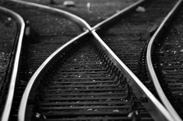 train-tracks_BW_iStock_000000627358Medium