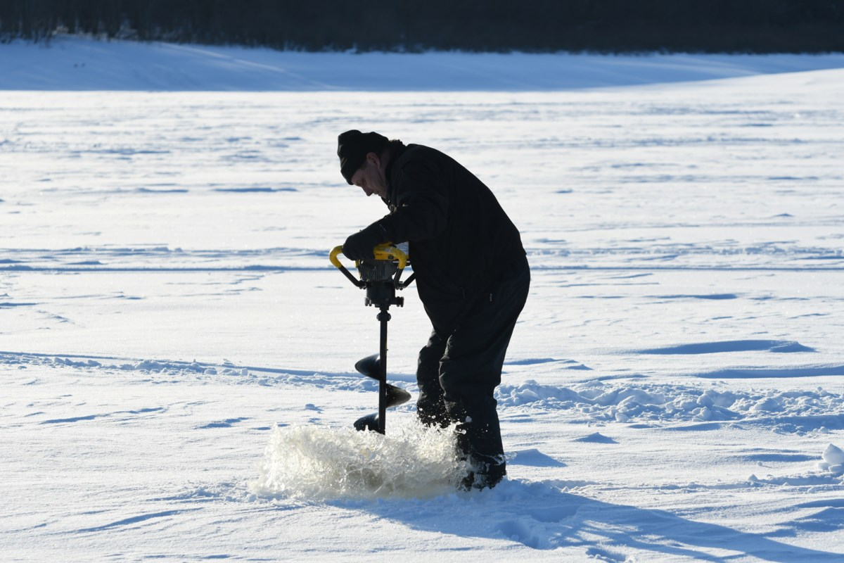 Finally, it's cold enough for ice fishing (16 photos)