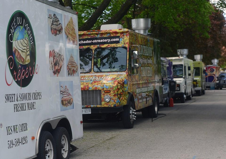 20170529 food trucks 1 ts