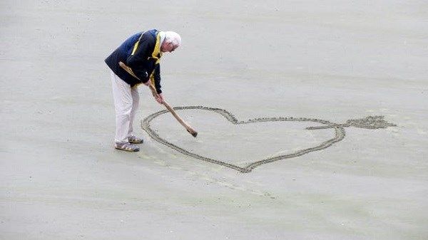 love-old-people-the-heart-of-pension-160936 (600)