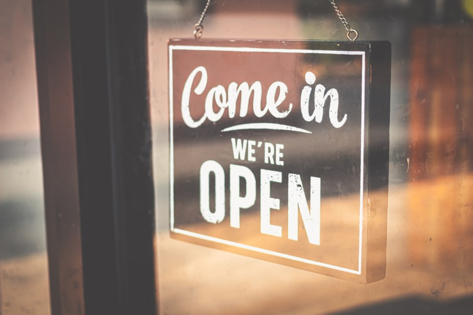052820 -  open for business - open sign -AdobeStock_332122924