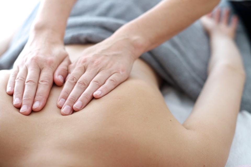123019 - massage therapist - spa AdobeStock_68497944