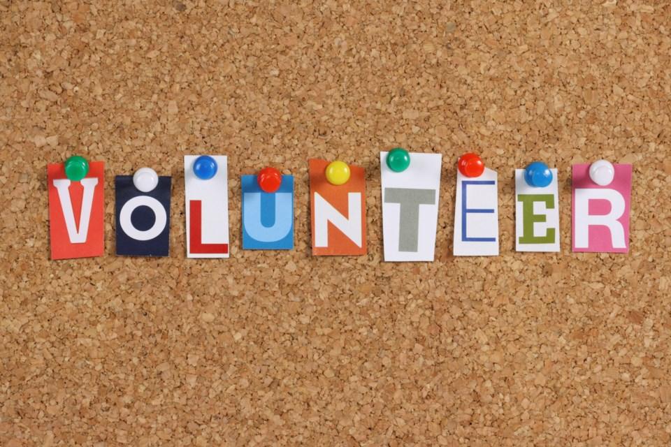 111519-volunteer - volunteers