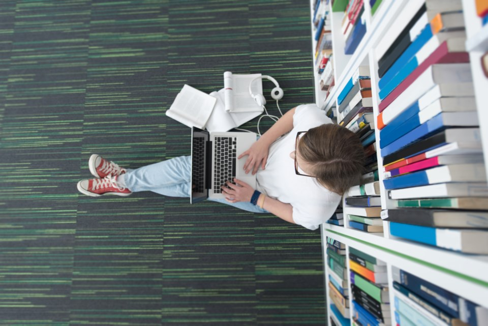 021519-student-library-study-studying-education-perfectionism-AdobeStock_112572554