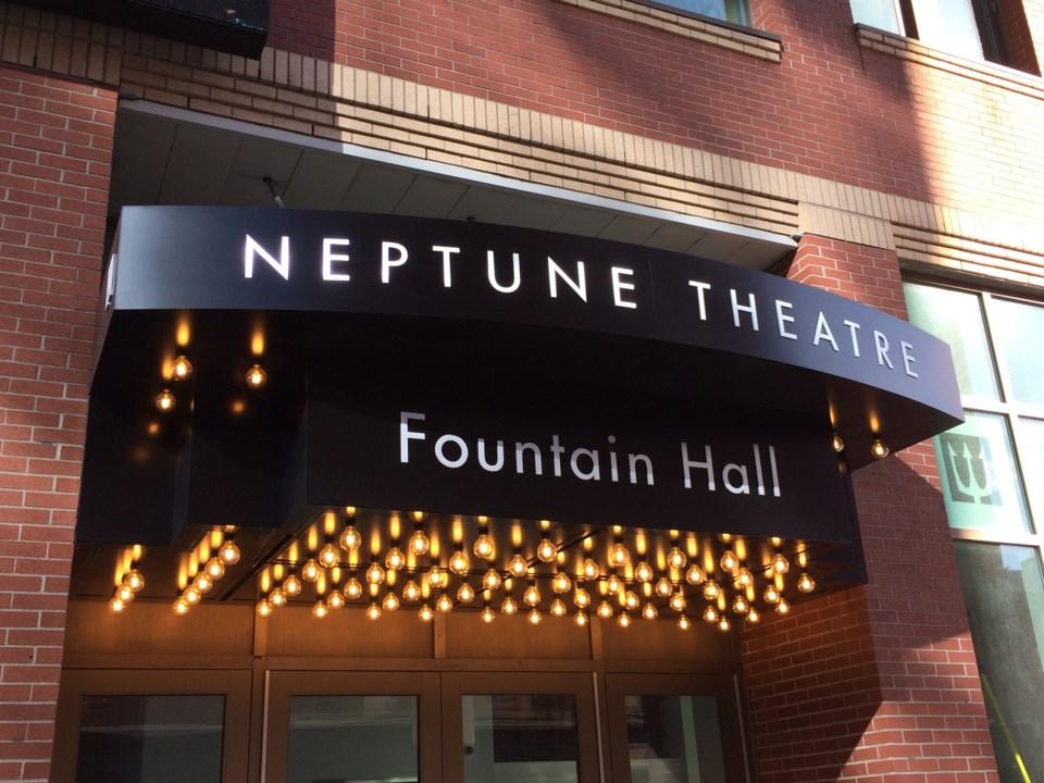 080818-neptune theatre-IMG_4015