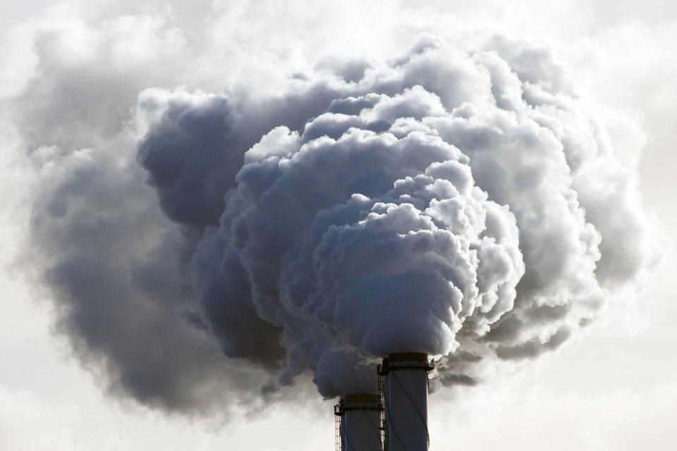 082318-carbon-air pollution