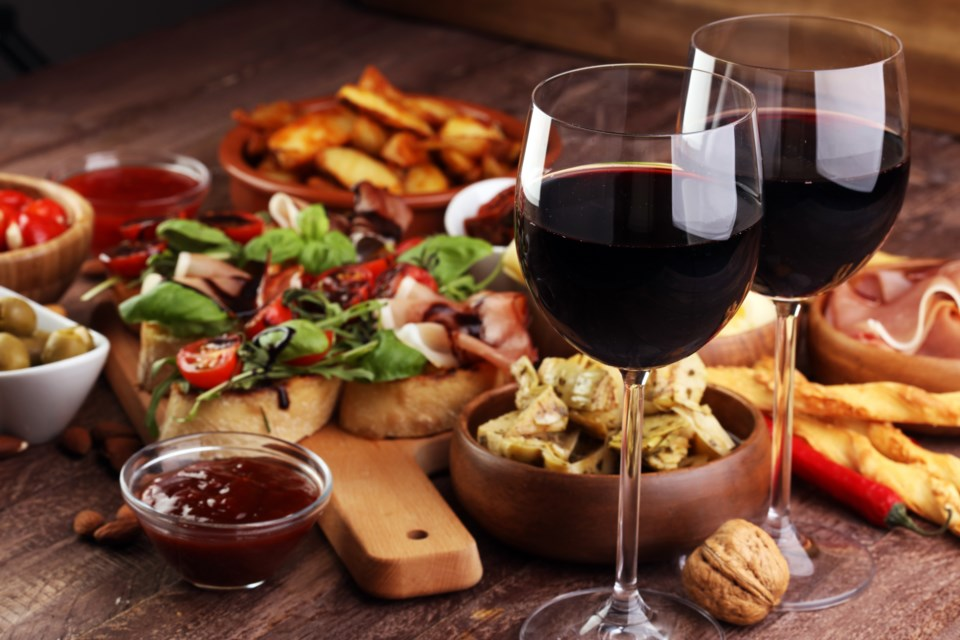 012519-wine and food-dining-restaurant-