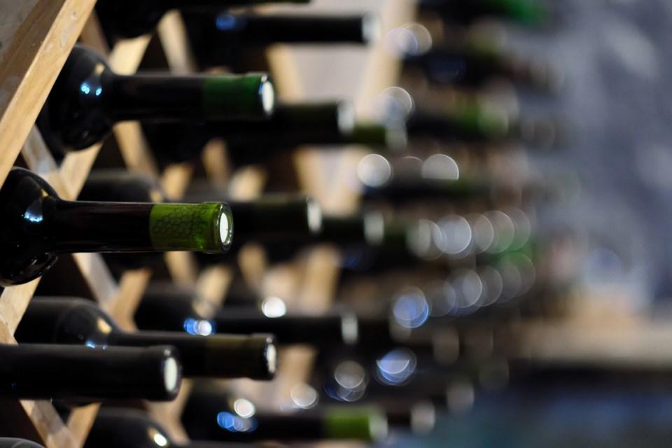 060618-wine-winery-vineyard-cellar-AdobeStock_108897120