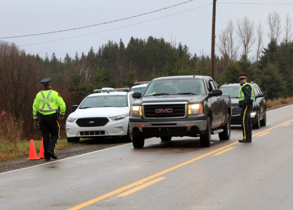 101317-rcmp-generic-road side-checkpoint