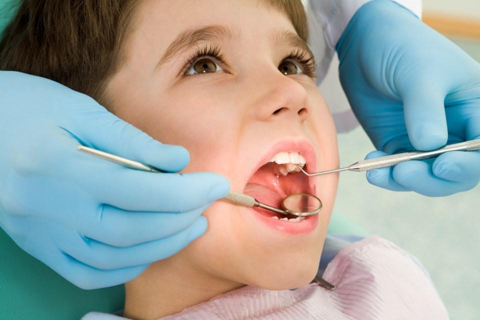 072618-dentist-AdobeStock_13567763