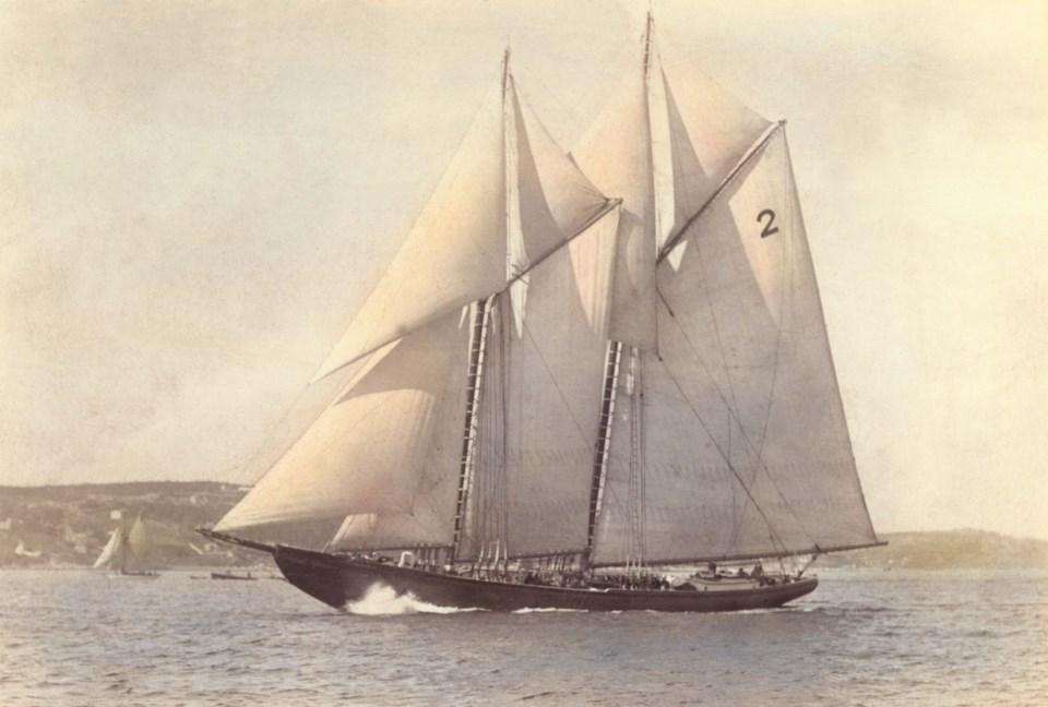 032521 - Bluenose_1921_by_MacAskill