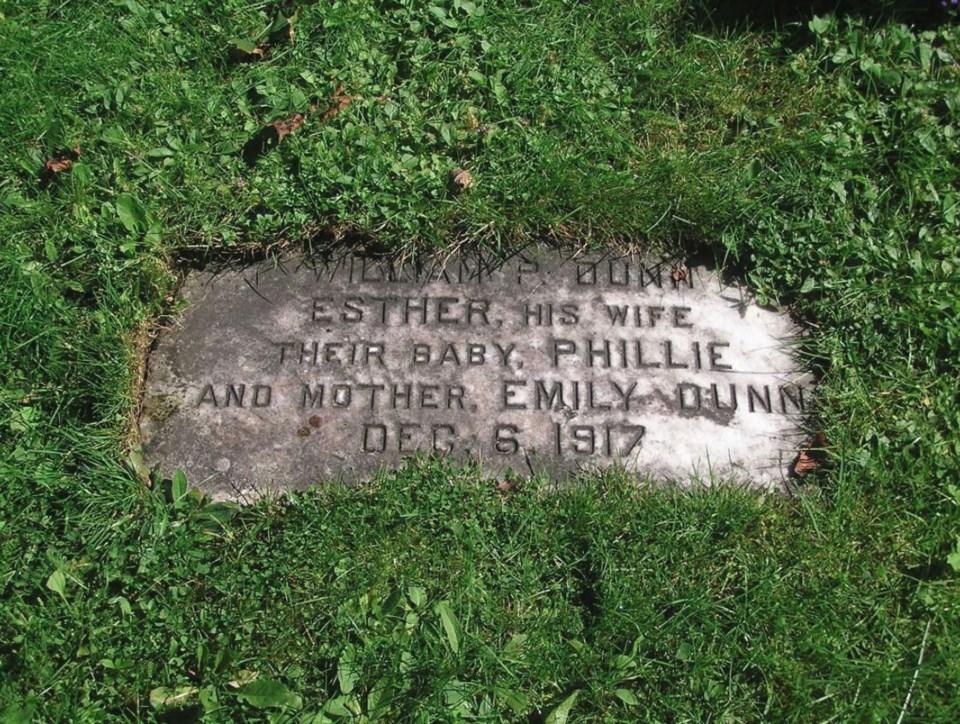 113017-halifax explosion grave stone