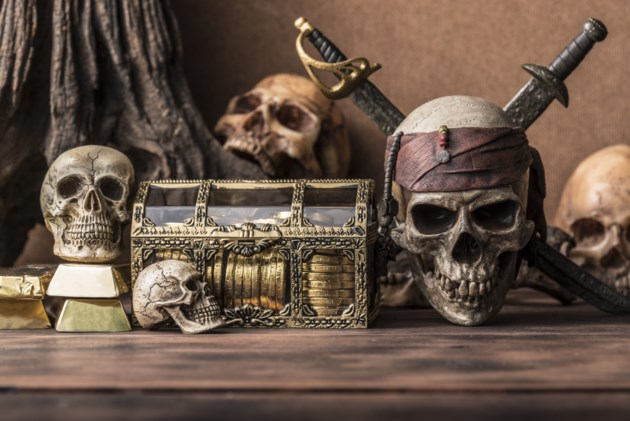 091918-pirate-halloween-AdobeStock_115899602