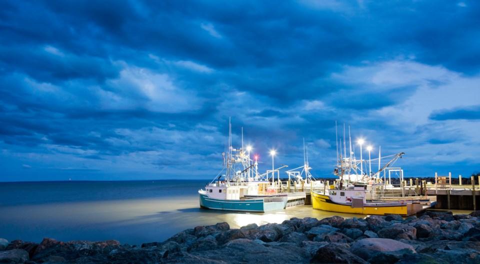042919-fishing boats-fishing industry-AdobeStock_182127282