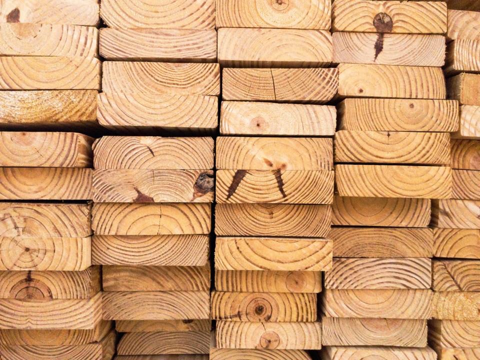 091420 - lumber - AdobeStock_190570764