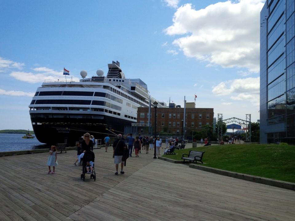 101617-halifax waterfront-cruise ship-MG