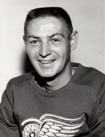 Terry Sawchuk played 21 seasons in the NHL and won 4 Stanley Cups. Sawchuk had
