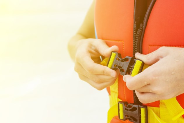 070918-life jacket-lifejacket-pdf-water safety-AdobeStock_164524447