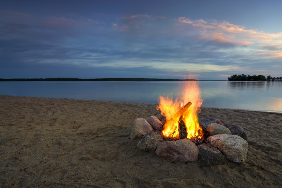camp-summer camp-camp fire-cottage-AdobeStock_102473762