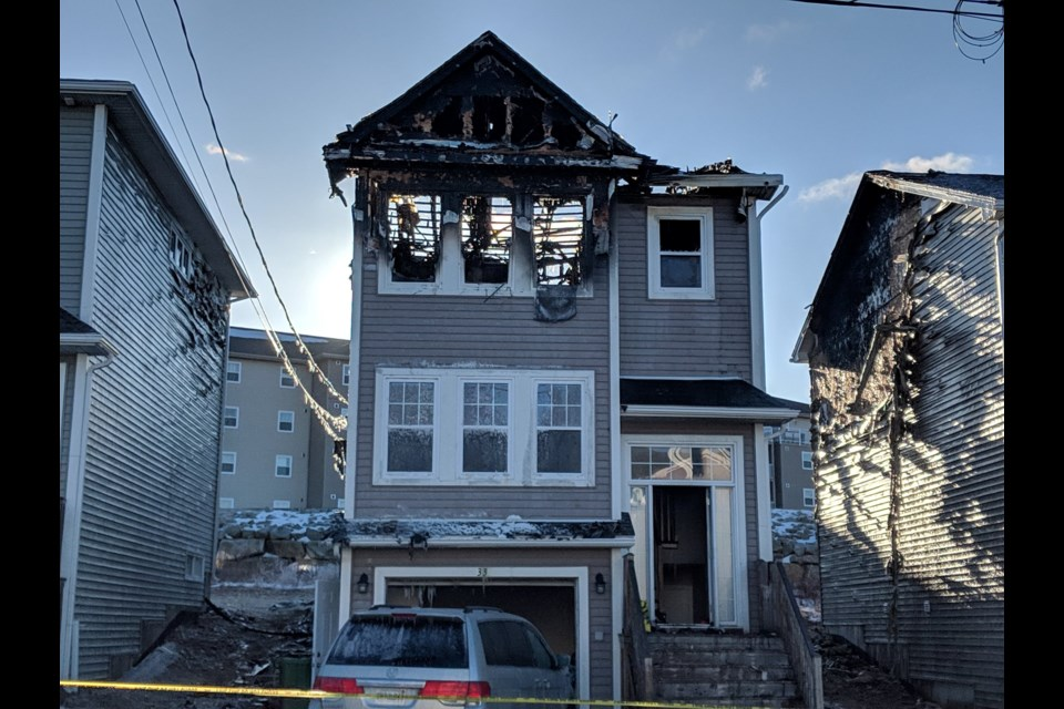 Overnight fire on Quartz Drive in Spryfield on Feb. 19, 2019 (Mark Hodgins/HalifaxToday.ca)