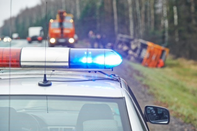 021518-police lights-move over law-traffic stop-AdobeStock_58708832