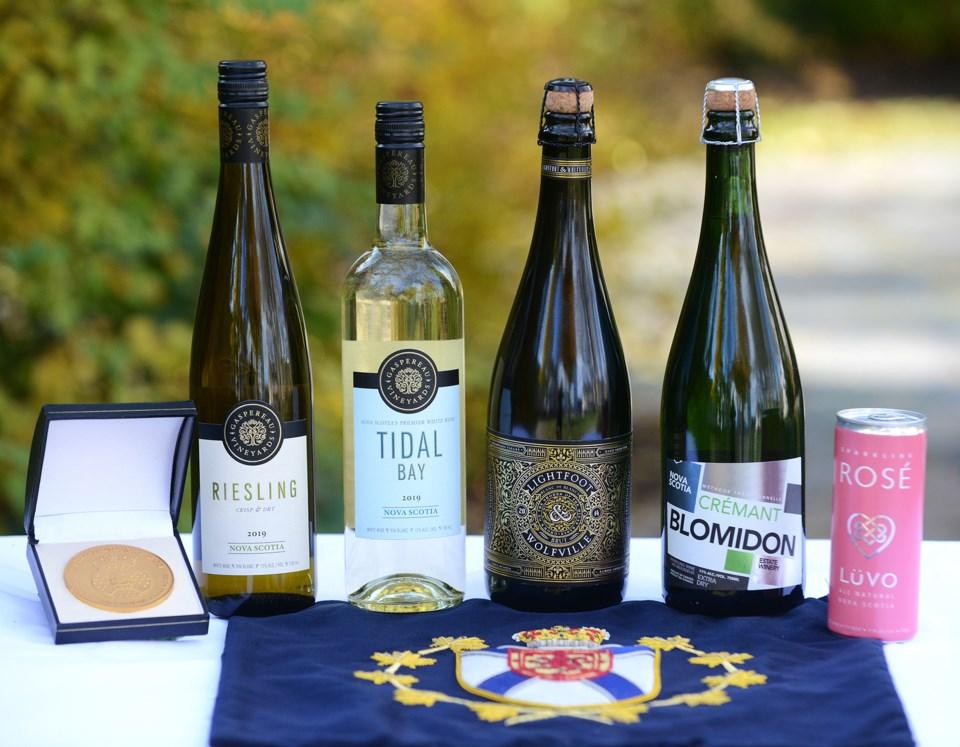 111920 - All-Winning-Wines