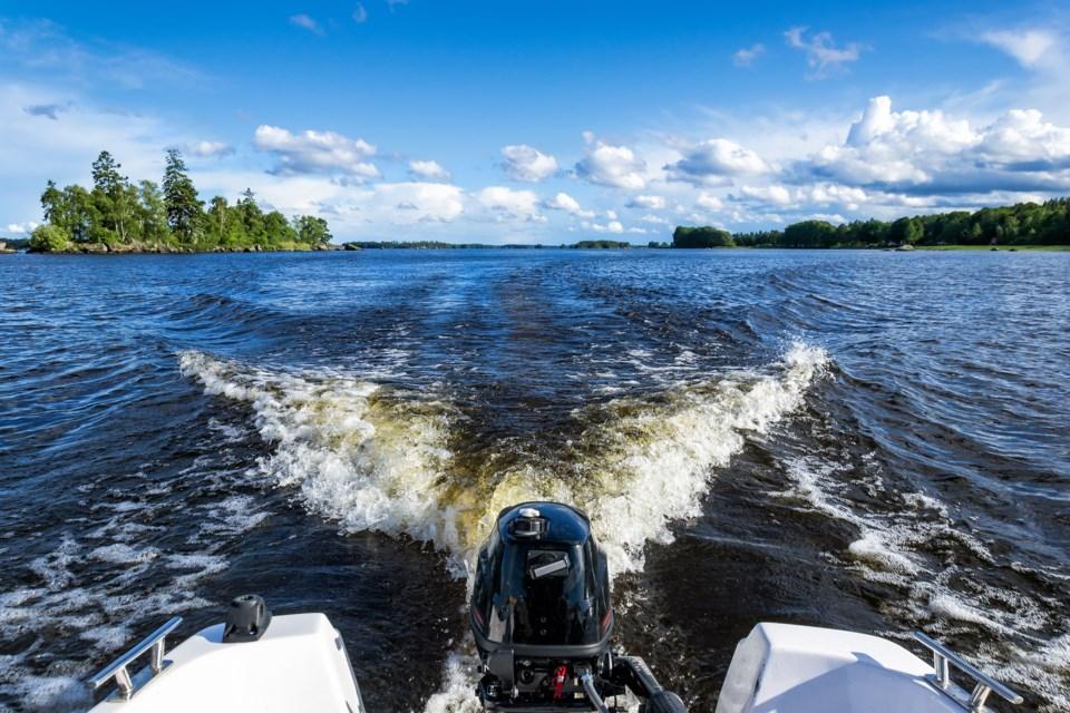 050619-summer-boat-safety-speed boat-motorboat-AdobeStock_114981574