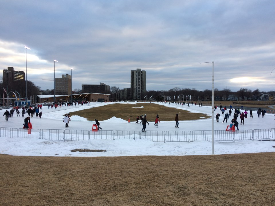 101317-emera oval-halifax-ice skate-skating-3-MG
