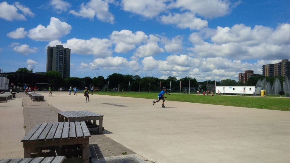 102417-emera-oval-summer-1-MG