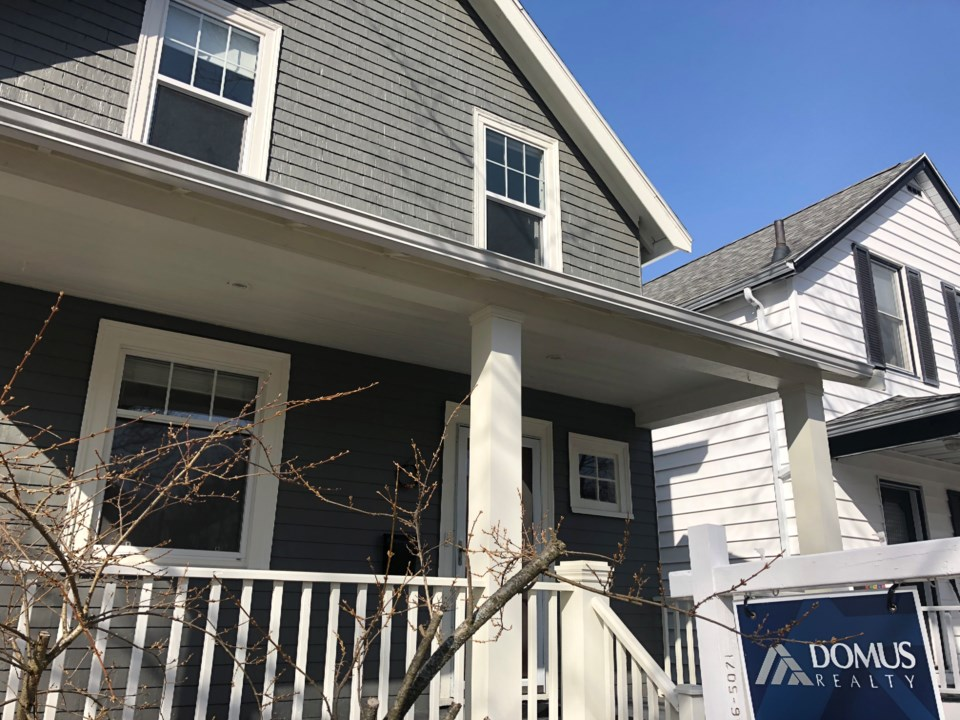 040318-for sale-real estate-IMG_5534