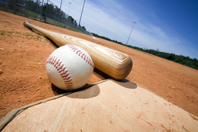 042518-baseball-ballpark-softball-AdobeStock_14205892