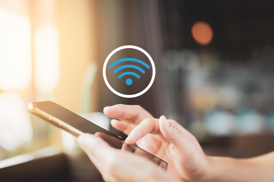 051320 - hotspot - wifi - internet access AdobeStock_291294173