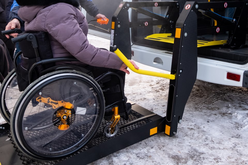 043019-wheelchair-accessible van