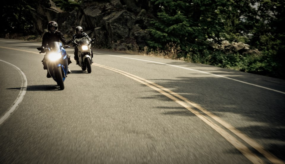 050118-motorcycle-AdobeStock_25421770