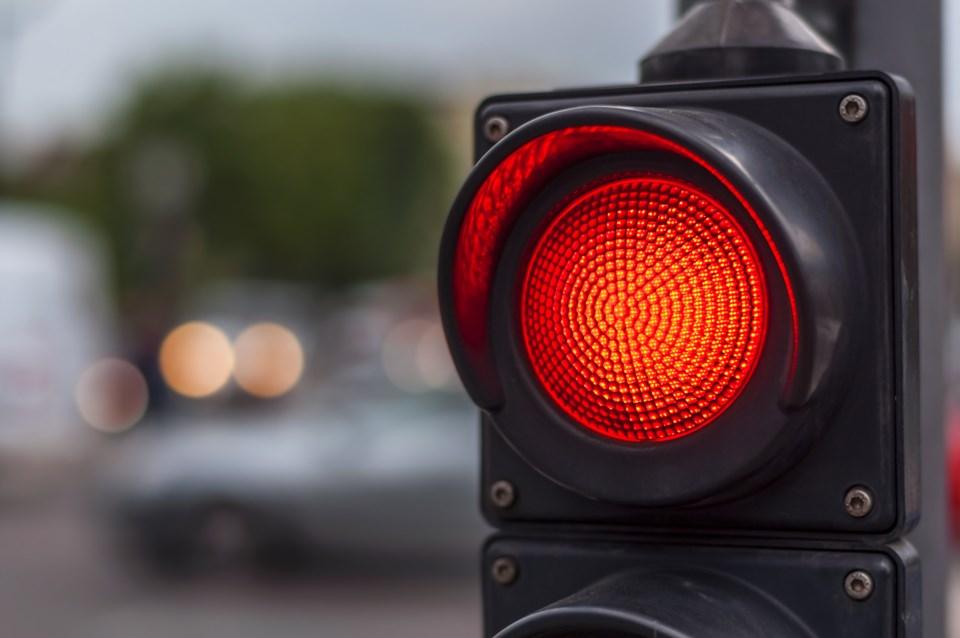 092519-red light-traffic light-AdobeStock_113419470